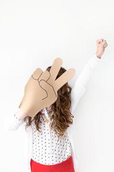 DIY Emoji Foam Fingers | Studio DIY®