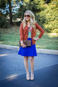 Fall Colors: blue and rust...So cute to wear to work! Pin this now!