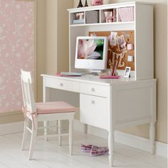 Like This Girls Desk With The Bulletin Board Hutch