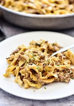 This Easy Beef Stroganoff recipe is a classic dish the whole family will love. It's filled with ground beef and a mushroom sauce served over egg noodles. It is delicious! Stroganoff Recipe, Hamburger Stroganoff, Ground Beef Stroganoff, Smoked Meat Recipes, Venison Recipes, Ground Beef Recipes, Beef Tips, Sausage Recipes, Farfalle Recipes