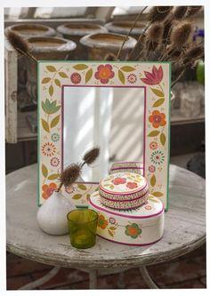 Spiegel mit Holzrahmen 69908_69908-03.tif