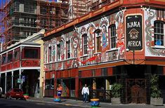 Stroll around the famous Long Street in Cape Town and do some antique shopping and experience African music, food and theatre. Cape Town South Africa, East Africa, Great Places, Places To Visit, Kwazulu Natal, Most Beautiful Cities, Travel Memories, The Good Place, Street View