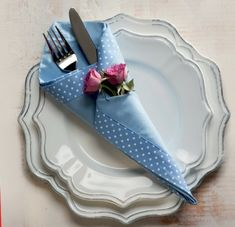 44 Ideas Origami Diy Decoration Napkin Folding For 2019 Dining Etiquette, Napkin Folding, Dinner Table, Napkin Rings, Party Time, Tea Party, Diy And Crafts, Table Settings, Table Decorations