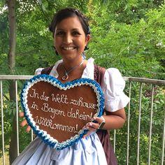 Refugees welcome - #1000malwillkommen in Deutschland! Meine Gedanken zum Bild und das Lebkuchenrezept gibts in diesem Blogpost: http://ift.tt/1gWTRl2