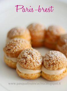 Paris-Brest, Paris e Conticini … – Pasqualina in cucina Paris Brest, Choux Cream, Romanian Food, Eclairs, Profiteroles, Food Festival, Food Inspiration, Sweet Recipes, Bakery