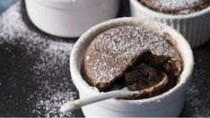 Cokoladove sufle, Foto: Cesko vari s Pohlreichem Cheesecake Brownies, Yams, Something Sweet, Desert Recipes, Christmas Cookies, Panna Cotta, Food And Drink, Pudding, Cooking Recipes
