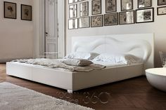 Deco Glove Modern Designer Leather Bed by Bonaldo