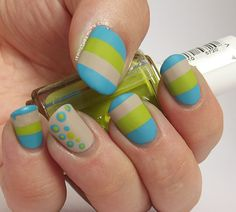 Ithinity Beauty - Nail Art Blog: Pool-side Deckchairs