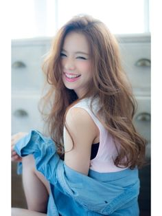 Beauty without Expression is Boring. Hair Arrange, Long Curls, Japanese Hairstyle, Asian Hair, Love Hair, Hair Trends, Girl Hairstyles, Asian Beauty, Hair Inspiration