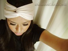 turban headband tutorial @Emily Tingley, is this what you were thinking of?