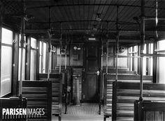 Métro de Paris. Intérieur d'un wagon. 1901. Monuments, Metro Construction, Metro Paris, Horse Wagon, Old Paris, Horse Carriage, Paris Ville, Paris Photos, Horse Farms