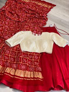 Sari Blouse Designs, Choli Designs, Fancy Blouse Designs, Stylish Dress Designs, Lehenga Designs, Stylish Sarees, Stylish Dresses, Indian Designer Outfits, Indian Outfits
