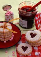 Linzer Heart Cookies by theresahelmer on deviantART, perfect for an Alice in Wonderland teaparty...