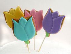 Decorated Cookie Pops Tulips 1 dozen por katieduran en Etsy