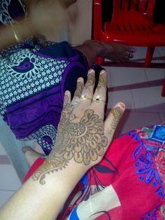 Shyluv arts Hand Henna, Louis Vuitton Speedy Bag, Hand Tattoos, Bags, Fashion, Handbags, Moda, Fashion Styles, Fashion Illustrations
