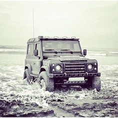 Land Rover Defender 90 Td4 Sw Se customized Twisted extreme adventure shipping to the endearth.