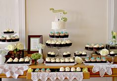 The Couture Cakery. Vintage Wedding with cake and cupcakes.    http://couturecakery.net/2013/02/10/morgan-and-cliffs-beautiful-vintage-diy-wedding/#
