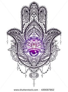 Hand drawn Ornate amulet Hamsa Hand of Fatima. Ethnic amulet common in Indian, Arabic and Jewish cultures.
