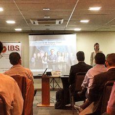 """""""Participando de palestra sobre o profissional de supply chain!  Marcelo Velloso - Supplyemdia.com"""""""