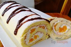 The perfect dough for biscuit rolls - does not break and is perfect for .- Der perfekte Teig für Biskuitrollen – bricht nicht und ist in 15 Minuten fertig The perfect dough for biscuit rolls – does not break and is ready in 15 minutes. Banana Split, Baking Recipes, Cake Recipes, Dessert Recipes, Czech Recipes, Dessert For Dinner, Biscuit Recipe, Cookies Et Biscuits, Food Cakes