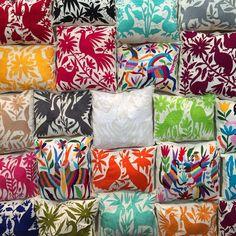 Holy moly Otomi! #Otomi #textiles #pillowparty