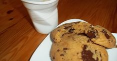 Μπισκότα Αμερικάνικα cookies, μαλακά και τραγανά με κομματάκια σοκολάτας Cookies, Muffin, Breakfast, Desserts, Recipes, Food, Crack Crackers, Morning Coffee, Tailgate Desserts