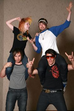 Paramore,I want my future band to be like this,it looks like fun