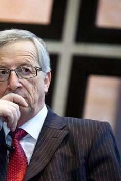 Διαψεύδει τις φήμες περί παραίτησης και αλκοολισμού ο Γιούνκερ