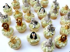 Madagascar Cupcakes ~ adorable!