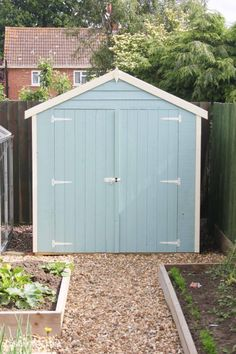 DIY tips for using pastel colours outdoors - Painting a shed to look like a beach hut shed design shed diy shed ideas shed organization shed plans Metal Shed, Wood Shed, Shed Design, Garden Design, Beach Hut Shed, Beach Huts, Petits Hangars, Blue Shed, Painted Shed