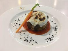 Moussaka de cordero lechal con gratin de lino - by Healthouse Costa del Sol