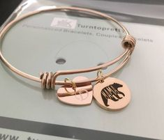Mama bear bracelet gold bracelet with a bear gold initial Girlfriend Anniversary Gifts, Leather Anniversary Gift, Anniversary Ideas, Personalized Bracelets For Her, Mother Gifts, Gifts For Mom, Mothers, Initial Bracelet, Bangle Bracelet