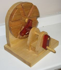 Dale's Wood Models - The Dale Maley Family Web Site Roller Gearing Mechanism M Woodworking Jigs, Woodworking Projects, Mechanical Projects, Mechanical Gears, Wood Projects, Projects To Try, Diy Easel, Wooden Gears, Diy Cnc