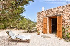 Sunbed// Pretty house in Cap de Barbaria