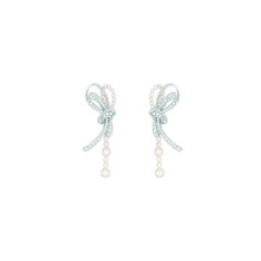 """Chanel - Les Perles de Chanel - """"Perles de Couture"""" earrings in white gold set with 210 brilliant-cut diamonds with a total weight of 4.6 carats and 44 cultured Japanese pearls"""