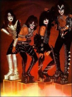 Kiss Alive World Tour Hard Rock Music Photo Kiss Band, Kiss Rock Bands, Paul Stanley, Gene Simmons, Satan, Rock & Pop, Eric Carr, Kiss Pictures, Kiss Images