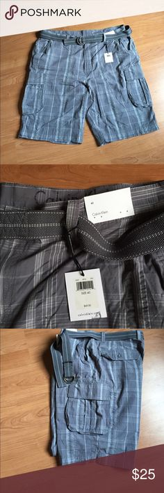 Calvin Klein cargo shorts. Sz. 40. NWT Calvin Klein cargo shorts. With belt and all tags Calvin Klein Shorts Cargo
