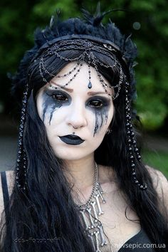 Goth makeup for hooded eyes - see here - part 3