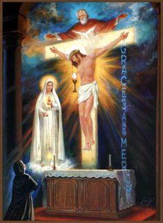 13 de junho de 1929 - a visão da Irmã Lúcia: De repente, toda a capela se iluminou com uma luz sobrenatural e sobre o altar apareceu uma cruz de luz que atingiu o teto.  Em uma luz mais clara, na parte superior da cruz, pode ser visto o rosto de um homem com seu corpo da cintura para cima, sobre o peito uma pomba, também de luz;  e pregado na cruz, o corpo de outro homem.  Um pouco abaixo da cintura (de Cristo na cruz), suspenso no ar, podia ser visto um Cálice e uma Hóstia grande, sobre o…