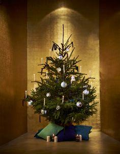 En période de Noël, la déco se recentre autour du sapin. Durant quelques semaines, c'est lui la star de votre salon ! Plutôt tradi ou scandinave ? Coloré ou uni ? Minimaliste ou kitsch assumé ? Trouvez l'inspiration avec les 20 sapins qui font la tendance en cette période de fête. http://www.elle.fr/Noel/Deco/sapin-de-noel
