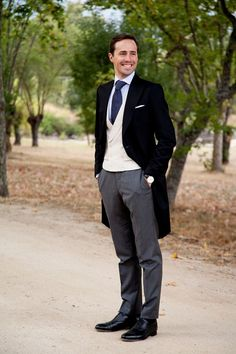 20 Elegant And Timeless Morning Suit Ideas Groom Morning Suits, Wedding Morning Suits, Groom Attire, Groom And Groomsmen, Groom Suits, Navy Suits, Wedding Men, Wedding Suits, Wedding Attire