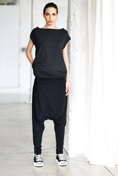 Arya Sense Black Drop Crotch Pants / Black di AryaSense su Etsy, $69.00
