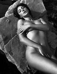 Monica Bellucci regalo questa foto erotiche del grande Vincent Peters