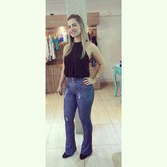 Já escolheu seu look Art Stilo?!? Pra quem ama o jeans temos a legging e a calça Flare, pra você ficar na moda sem perder o conforto  #artstilo #lookfitness #lookoftheday #lookdodia #glam #fashion #modafitness #fit #fitness #fitnessaddict #artstilo #academia #malhacao #top #nature #naturelover #run #running #euuso #euamo #inpiracao #girls #lifestyle #photo #photooftheday #seucorpoemmovimento #motivation #Beauty #felinju #euuso #euamo