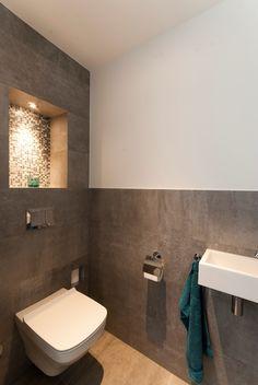 toilet met stucwerk