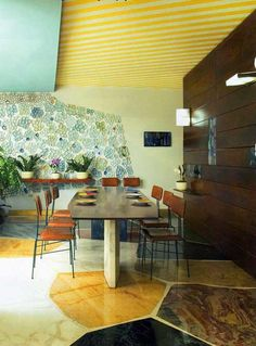 Prachtige vloer. Ponti's Villa Planchart dining room. Wall tile mural by Roberto Burle Marx.
