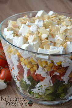 Sałatka warstwowa z brokułem i kurczakiem Healthy Breakfast Menu, Healthy Snacks, Healthy Eating, Healthy Recipes, South Indian Vegetarian Recipes, Salad Recipes, Good Food, Food And Drink, Cooking Recipes