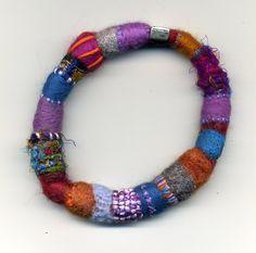 Felt bangle - Morag Lloyds Textiles: trying something new Fiber Art Jewelry, Textile Jewelry, Fabric Jewelry, Jewelry Art, Felted Jewelry, Paper Jewelry, Textile Art, Jewelry Ideas, Jewelry Design