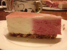 Lingon and vanilla cake