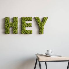 Moss Letters and Symbols: Creative Wall Art Moss Wall Art, Moss Art, Diy Wall Art, Wall Art Decor, Island Moos, Moss Letters, Diy Crafts To Do, Nature Decor, Nature Plants